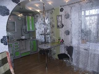 Уфа - Отели,Коттеджи,Квартиры - На сутки и более сдается в аренду элитная двухкомнатная квартира в центре Уфы