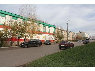 Уфа - Торговые площади - Продам отдельно стоящее двухэтажное здание. Общая площадь 650.4 кв.м. высота потолка 1-го этажа 7.85 м., 2-го 3,85 м. 3 входные группы. С земельным  участком, площадью 416 кв.м, категория земель-земли
