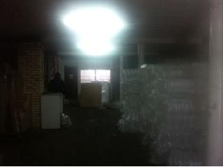 Уфа - Офисные помещения - Сдам в аренду склад площадью  140 кв.м. высота потолка 4 м. +12 кв.м. офис , здание кирпичное, отопление, пол бетон, ,собственная ,охраняемая территория .ул Сыртлановой  3.