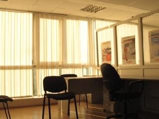Уфа - Офисные помещения - Предлагаем в аренду современные высококлассные офисные помещения (кондиционирование, панорамное остекление) в центре (в цену вкл комунал платежи) от 135 до 565 кв.м.  Бизнес-центр класса В+ «Премьер»