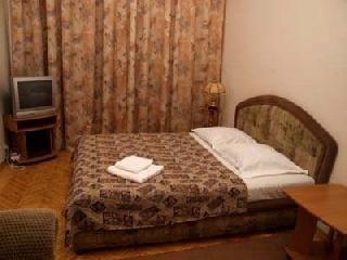 Уфа - Отели,Коттеджи,Квартиры - Квартира ПОСУТОЧНО на Зорге . 89273341481